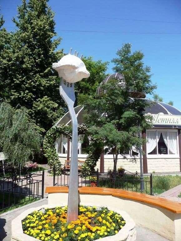 Description of the monument to dumplings in Izhevsk