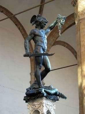 Description of the sculpture Benvenuto Cellini Perseus